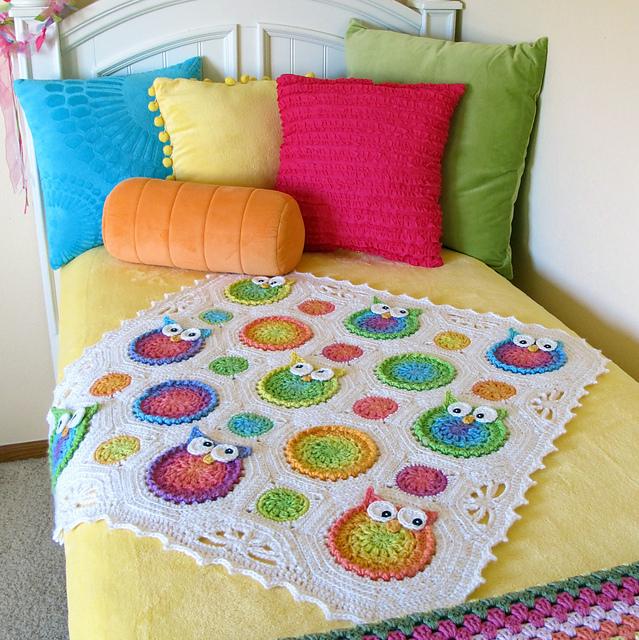 Tığişi baykuşlu battaniye örneği