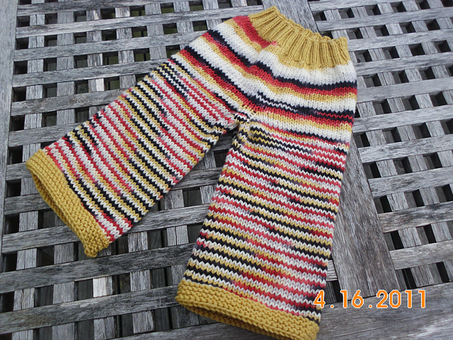Small DiscoBaby Knits Edward Longies